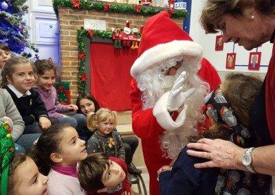 Santa Claus- Lunes y Miércoles a las 5